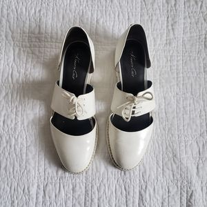 Rare Vintage looking Kenneth Cole White shoes